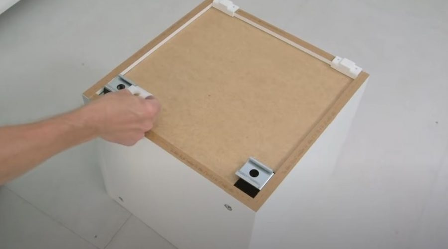 how to install kitchen cabinets handles